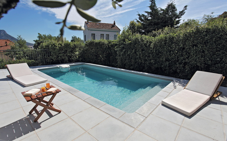 Piscine rectangulaire 6x3m galerie photos desjoyaux for Liner gris pour piscine