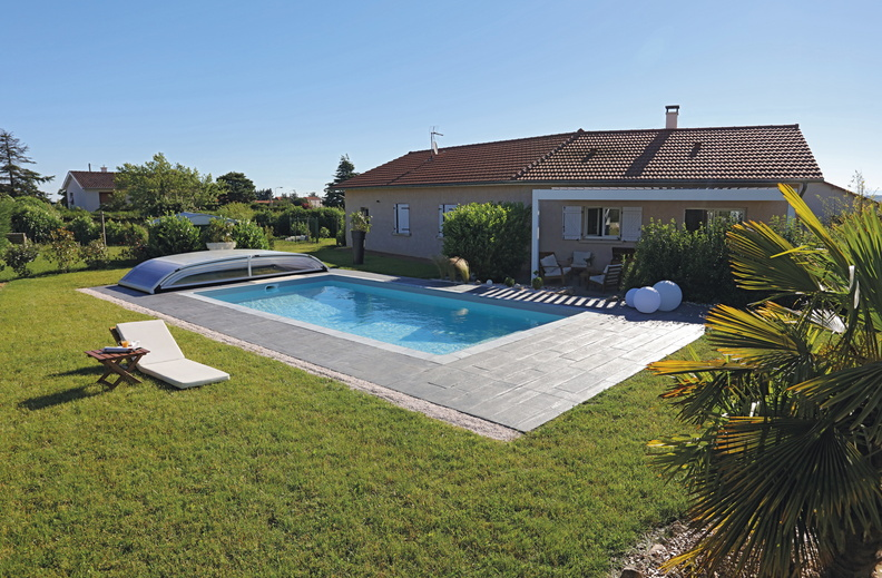 Piscine rectangulaire 8x4 493 galerie photos desjoyaux for Piscine bois liner gris