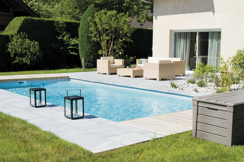 Piscine rectangulaire 9x4 galerie photos desjoyaux for Piscine semi enterree desjoyaux