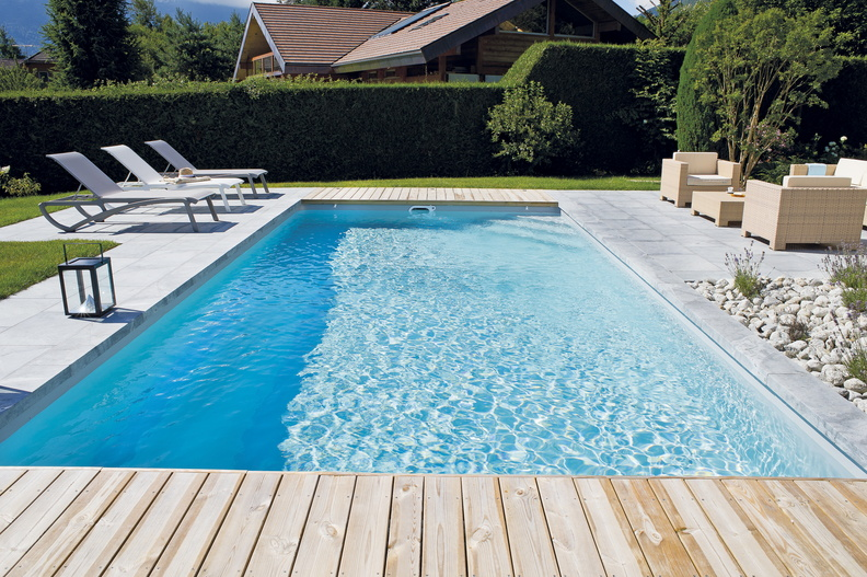 Piscine rectangulaire 9x4 galerie photos desjoyaux for Liner blanc piscine