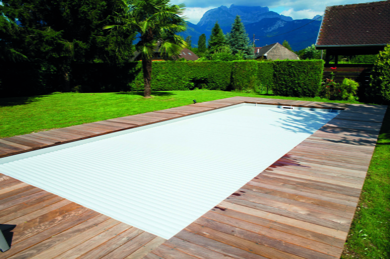 Piscine rectangulaire 11x4 galerie photos desjoyaux for Liner gris clair pour piscine